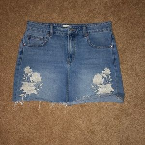 Pacsun embroidered jean skirt